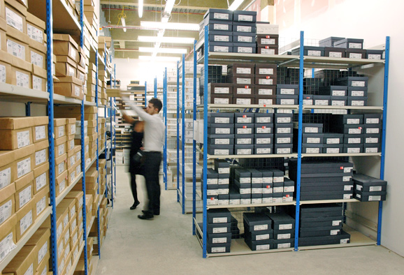 Stockroom racking for shoes mobile shelving - Shoe box storage shelves ...