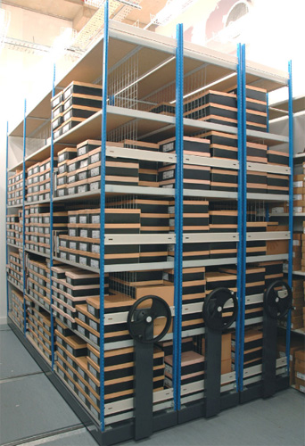 Mobile Stockroom Shelving