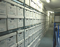 Extensive archive solution for records storage